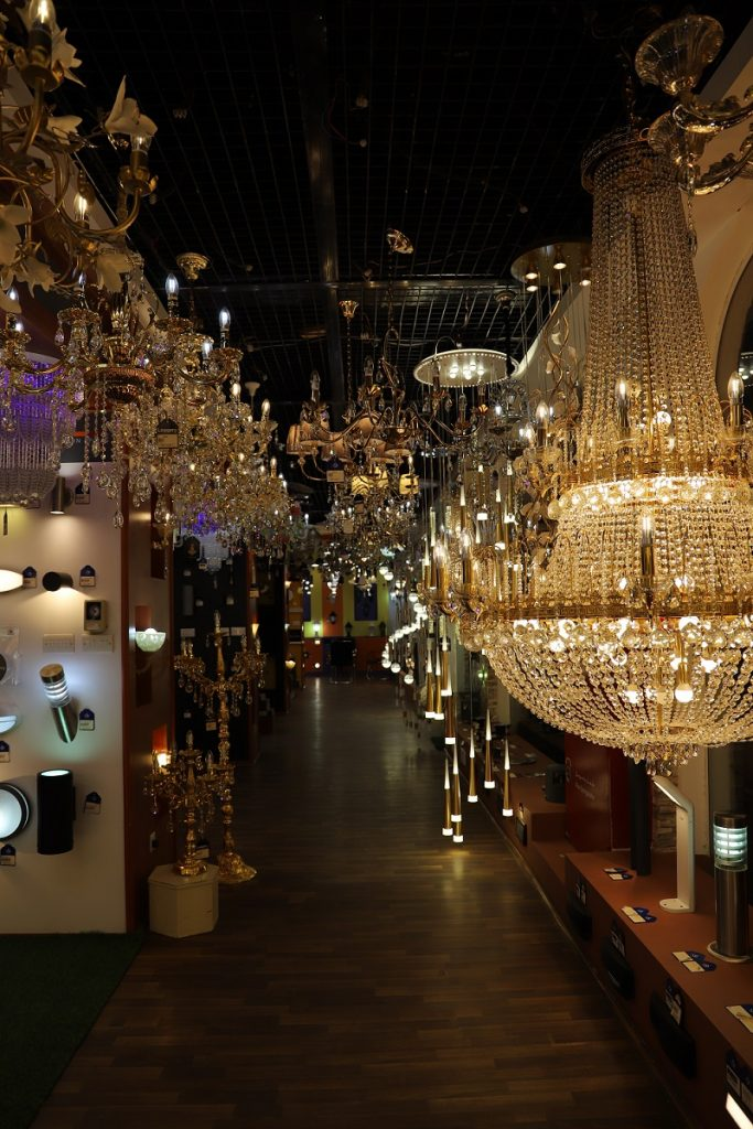 al saleh lighting showroom oman